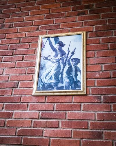 Eugène-Delacroix-Liberty-leading-the-people