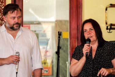 Under presentationen pratade Cecilia och jag om poesi och om poesins roll i ett större sammanhang. Foto: Åsa Nyberg.